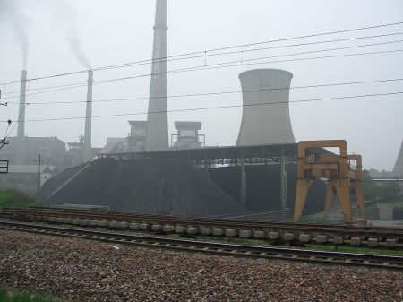 A Chinese coal power plant. Source: WC/Tobias Brox