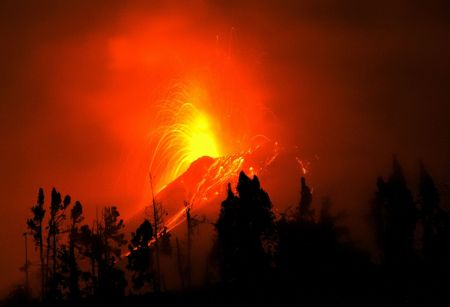 A recent Tungurahua at night. Source: Dr. Carlos Costales Terán, Wikimedia Commons