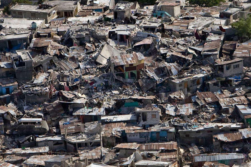 Earthquake damage in the Haiti 2010 earthquake. Source: Wikimedia Commons