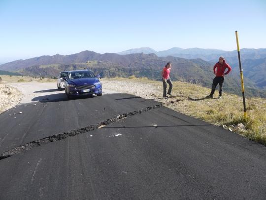 fault_across_road